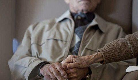 Cuidadores de idosos já têm uma linha que os apoia