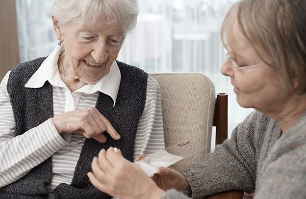 Cuidador de idosos: as plataformas de apoio mais importantes