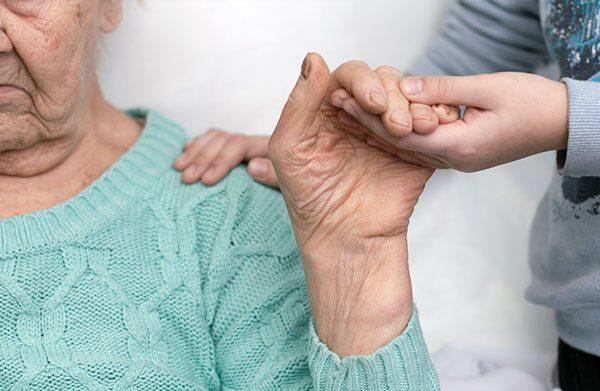 Doentes de esclerose lateral amiotrófica querem estatuto do cuidador adequado à doença